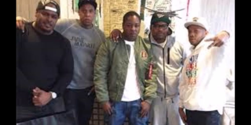 jay-z signs the lox