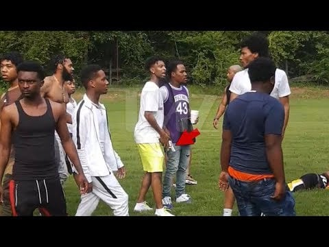 21 savage pulls out a gun