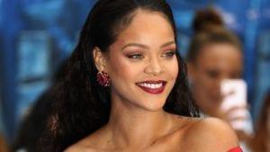 Rihanna red lips