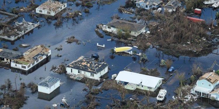 Kanye Helps Rick Fox In Bahamas Relief Efforts