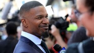 jamie foxx inks deal with sony